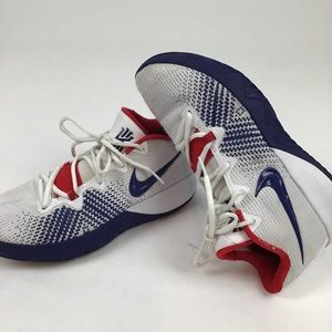 Nike Mens Kyrie's Flytrap Basketball Shoes. Size 8